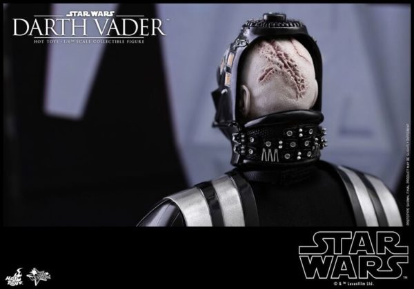 Hot-Toys-SW-Darth-Vader-Collectible-Figure_PR17_preview-600x420