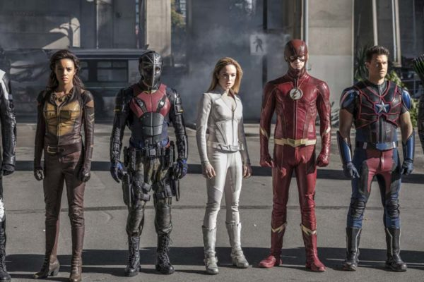 Legends-of-Tomorrow-s3-Crossover-episode-19-600x400