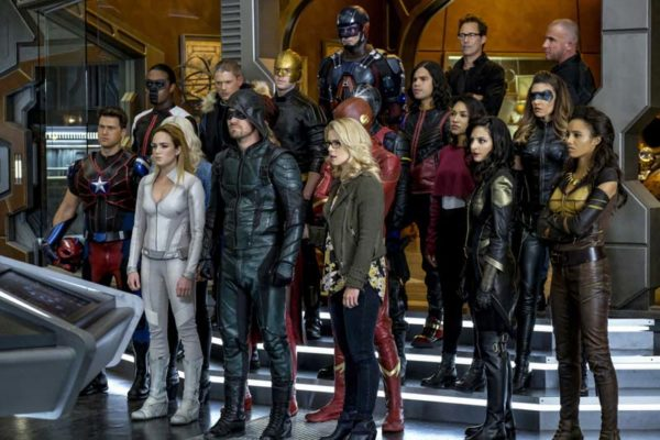 Legends-of-Tomorrow-s3-Crossover-episode-9-600x400