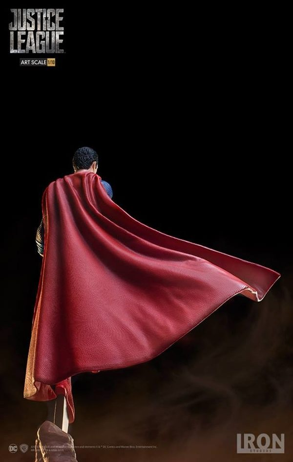 Superman-Justice-League-Iron-Studios-statue-4-600x944