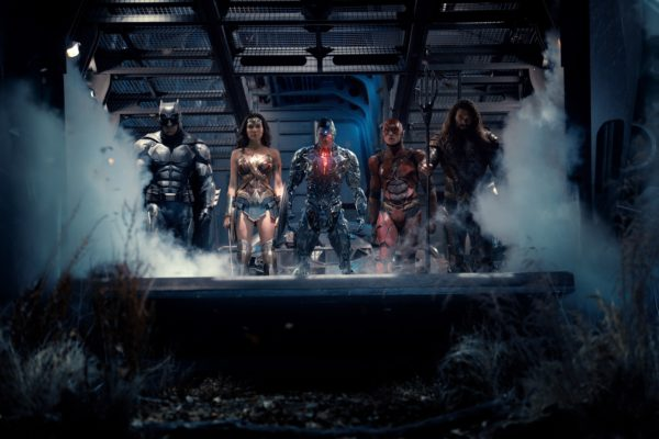 justice-league-cast-hi-res-600x400