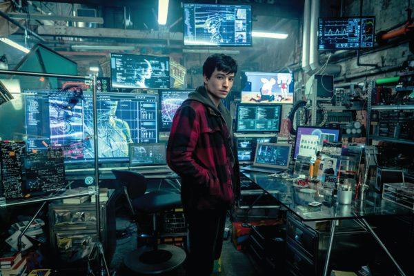 justice-league-movie-images-flash-cave-hq-1020581-600x400