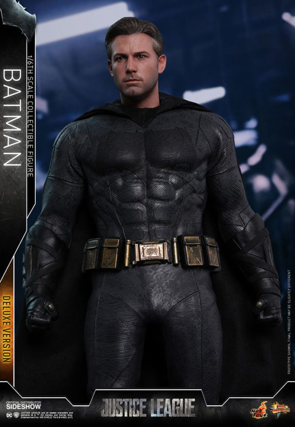Batman-Justice-League-deluxe-figure-5-600x867