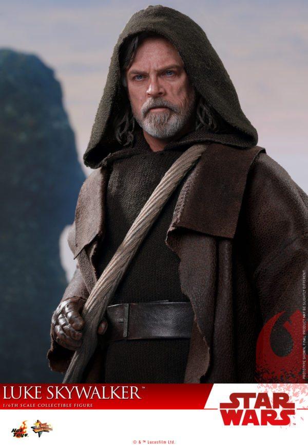 Hot-Toys-Luke-Skywalker-Last-Jedi-4-600x867