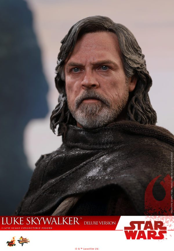 Hot-Toys-Luke-Skywalker-Last-Jedi-deluxxe-version-5-600x867