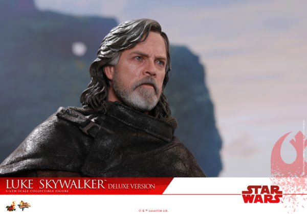 Hot-Toys-Luke-Skywalker-Last-Jedi-deluxxe-version-7-600x420