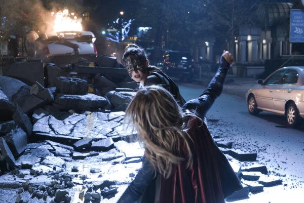 Supergirl-309-19-600x401
