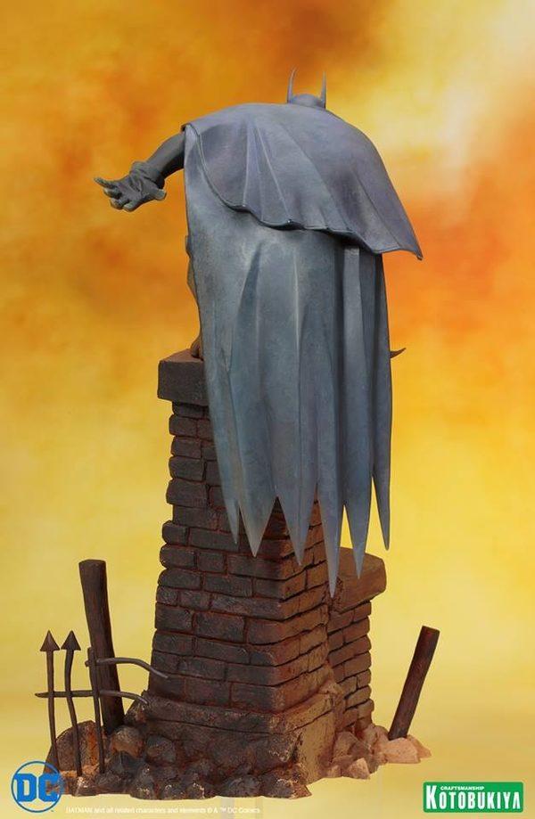 Tenth-scale-Batman-Gotham-by-Gaslight-ARTFX-Statue-4-600x919