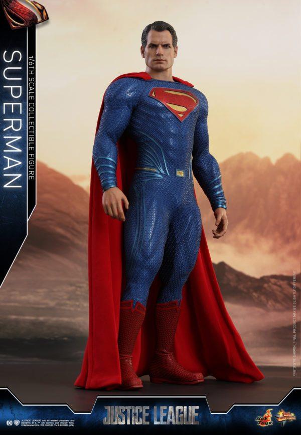 Hot-Toys-Justice-League-Superman-1-600x867
