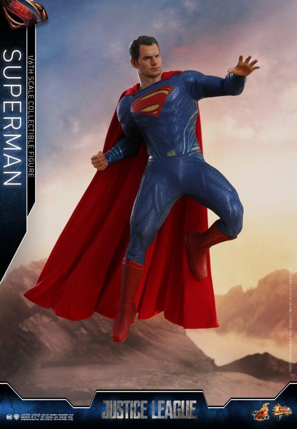 Hot-Toys-Justice-League-Superman-3-600x867