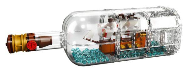 LEGO-Ideas-Ship-in-a-Bottle-4-600x230