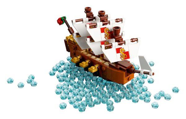LEGO-Ideas-Ship-in-a-Bottle-6-600x385