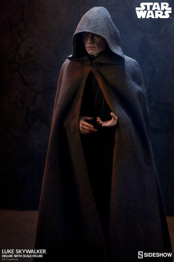 Luke-Skywalker-deluxe-figure-1-600x900