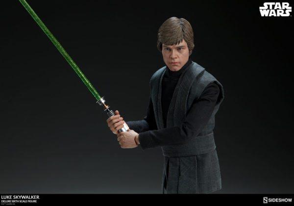Luke-Skywalker-deluxe-figure-4-600x420