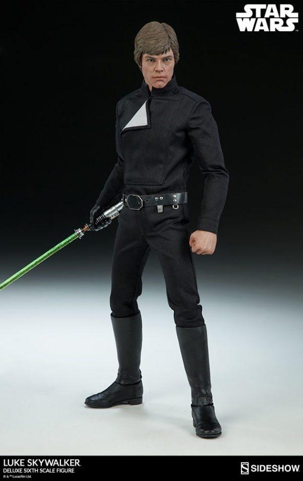 Luke-Skywalker-deluxe-figure-5-600x952