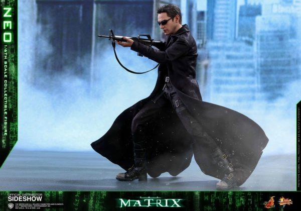 Neo-The-Matrix-figure-9-600x420