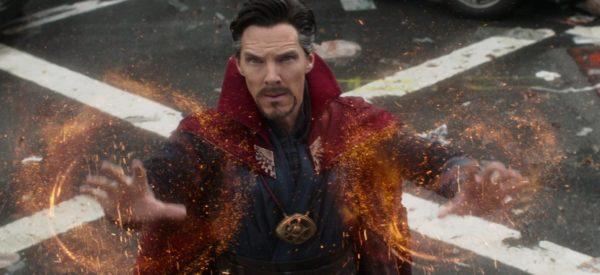 Avengers-Infinity-War-Cumberbatch-Dr-Strange-e1511966270696-600x275