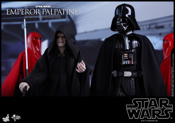 Hot-Toys-SW-Emperor-Palpatine-collectible-figure_PR4-600x420