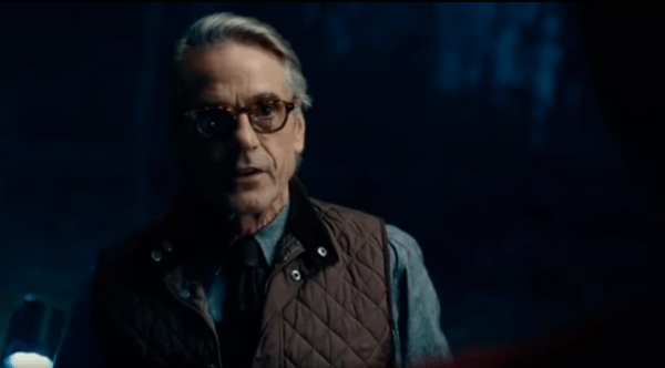 Justice-League-Alfred-Superman-deleted-scene-screenshot-600x332