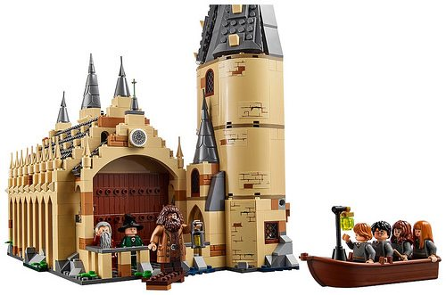 LEGO-Harry-Potter-Great-Hall-3