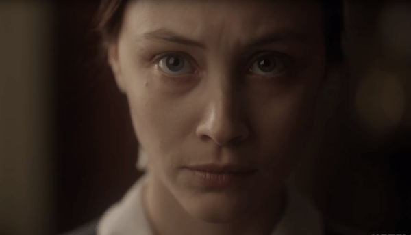 Sarah-Gadon-Alias-Grace-screenshot-600x344