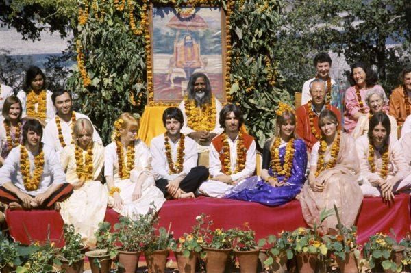 The-Beatles-in-India-photo-credit-Paul-Saltzman-TBIR_4x6_2.5-MB-600x399