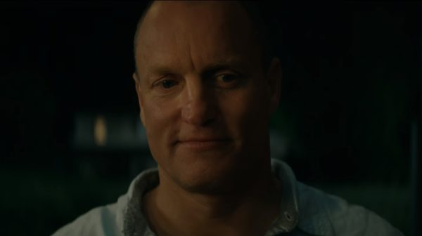 Woody-Harrelson-Threebillboards-featurette-screenshot-600x336
