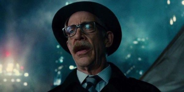 jk-simmons-commissioner-gordon-600x300