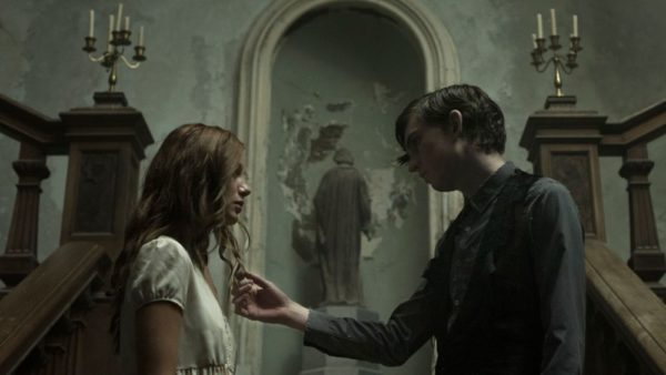 the-lodgers-2-600x338