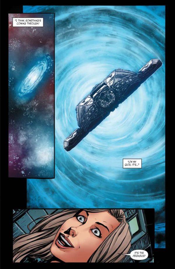 Battlestar-Galactica-vs-Battlestar-Galactica-3-7-600x922