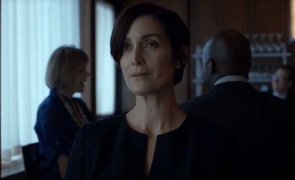 Carrie-Anne-Moss-Daredevil-screenshot-600x367