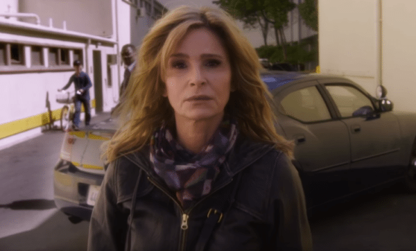 Kyra-Sedgwick-Ten-Days-in-the-Valley-trailer-screenshot-600x362