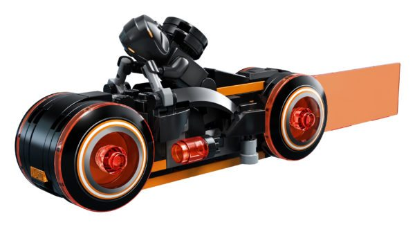 LEGO-Ideas-TRON-Legacy-set-10-600x328