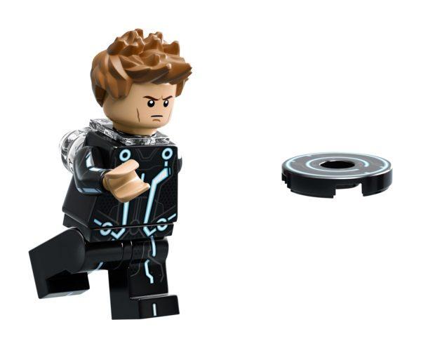 LEGO-Ideas-TRON-Legacy-set-8-600x496