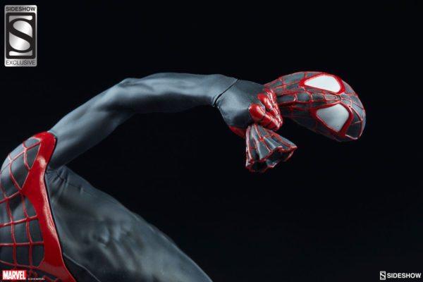 Spider-Man-Miles-Morales-Premium-Format-figure-4-600x400