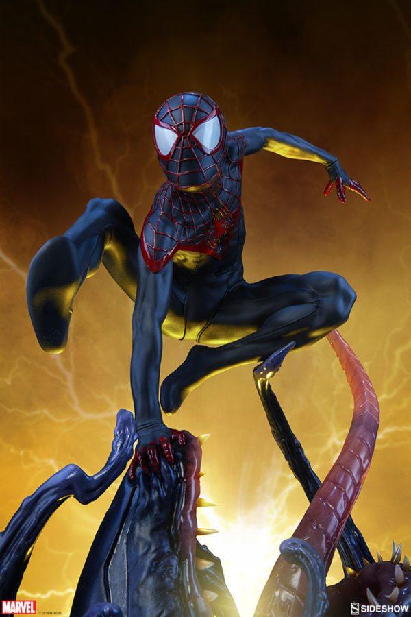 Spider-Man-Miles-Morales-Premium-Format-figure-6-600x900