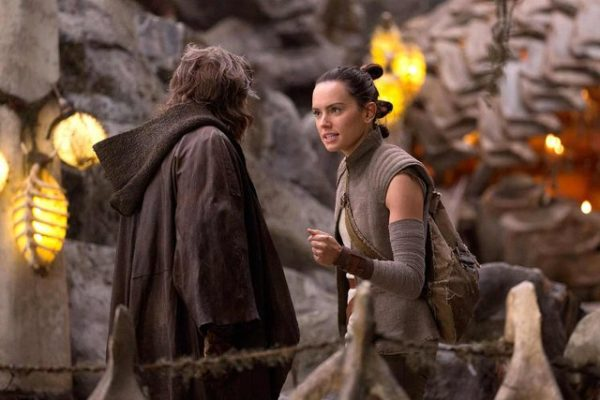 Star-Wars-The-Last-Jedi-Deleted-Scenes-3-600x400