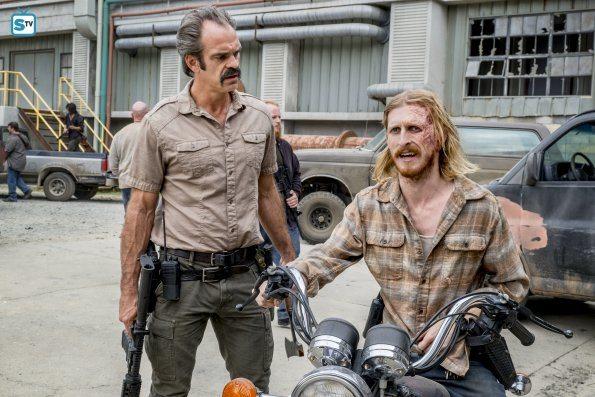 The-Walking-Dead-812-11