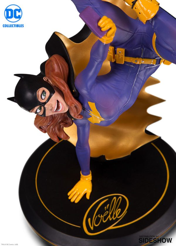 dc-comics-batgirl-dc-cover-girls-statue-dc-collectibles-903449-02-600x840