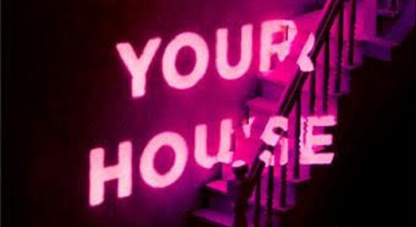 theres-someone-inside-your-house-600x327