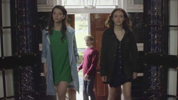 trailer-for-anya-taylor-joy-olivia-cooke-and-anton-yelchins-dark-comedy-thriller-thoroughbreds-social-600x338