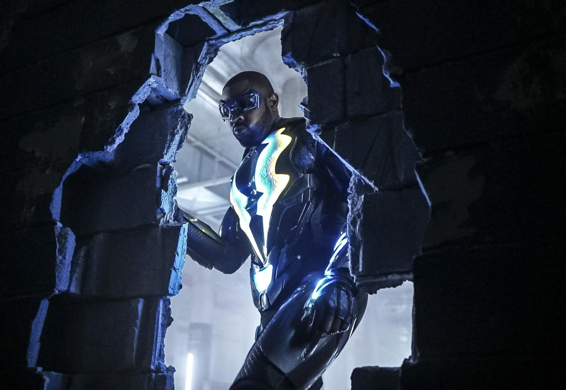 Black Lightning Season 1 Episode 10 Review Sins Of The Father Book Redemption