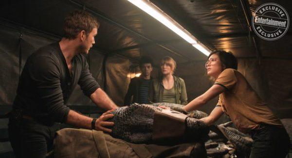 Jurassic-World-Fallen-Kingdom-EW-images-2-600x324