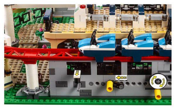 LEGO-Creator-Roller-Coaster-3-600x374