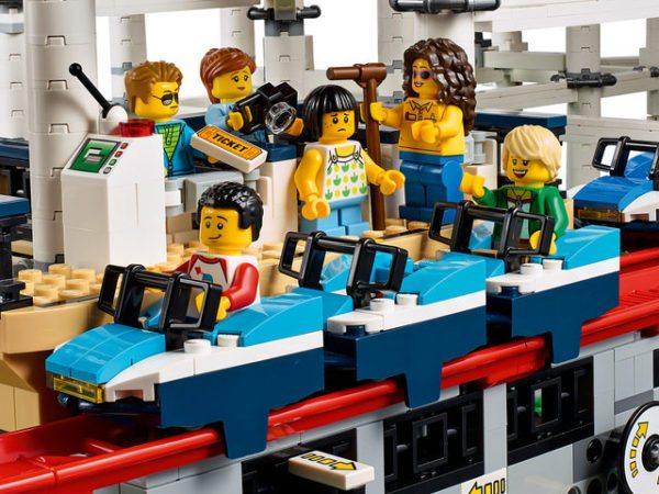 LEGO-Creator-Roller-Coaster-5-600x450