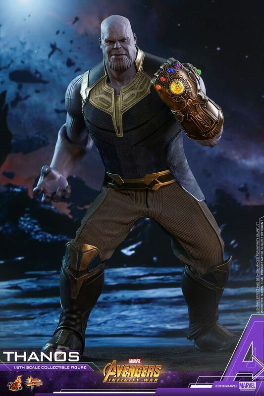 Thanos-Hot-Toys-figure-2