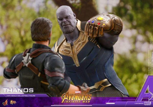 Thanos-Hot-Toys-figure-4-600x422