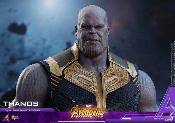 Thanos-Hot-Toys-figure-7-600x422