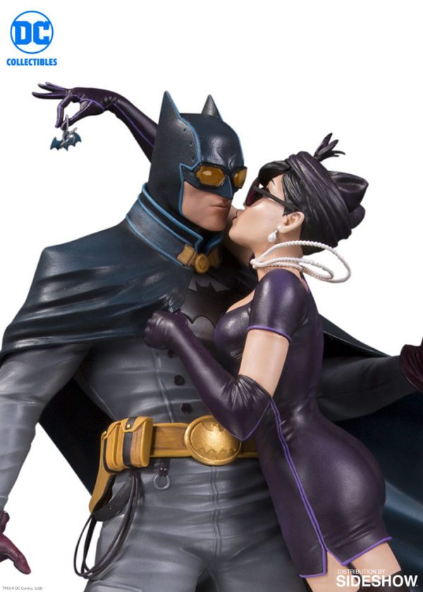dc-comics-batman-and-catwoman-deluxe-statue-dc-collectibles-903498-02-600x840
