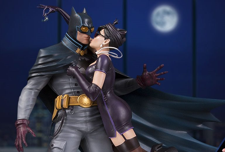 dc collectibles batman and catwoman relationship